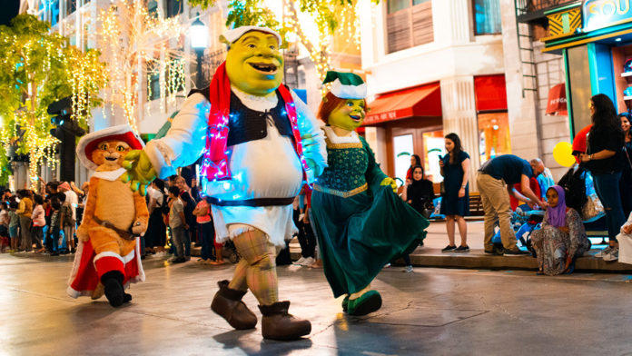 MOTIONGATE™ Dubai's festive parade!